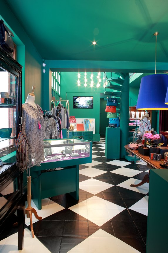 opulent-living-concept-store-and-gallery-midres-26